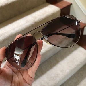 Auth. Fendi aviator Sunglasses